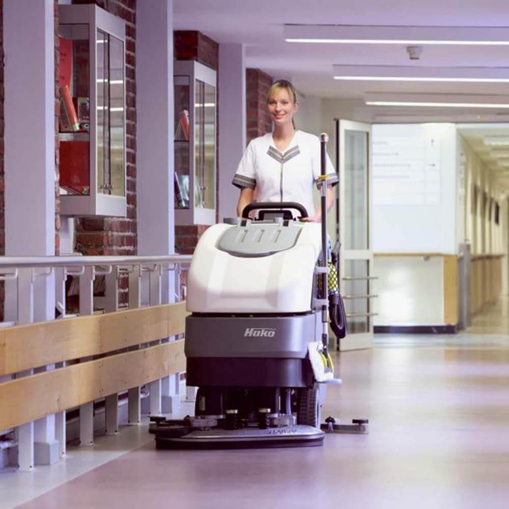 Klinik oder Krankenhäuser Bodenreinigung Komag