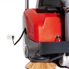Kehrmaschine mit Stromanschluss bei Komag